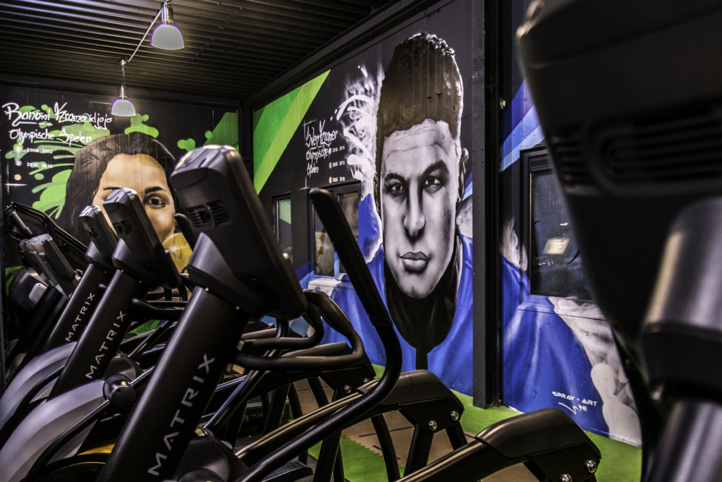 Olympic graffiti Sven Kramer, Ranomi Kromowidjojo, Dafne Schippers, Johan Cruijff, portraits, painting, Full of Life
