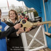 Klaas-Jan Huntelaar opent 1e mobiele Supportershome